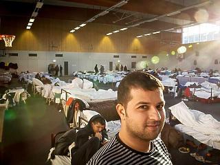 Furcsa tüntetés menekültügyben – miért akarják marasztalni őket?