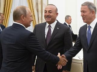 Putyin nukleáris fegyvereket telepíthet Szíriába – de miért halmoz föl annyi aranyat?