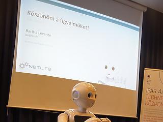 Ezek már a jövő ügyintézői - mostantól ezt a robotot kell kérdezned