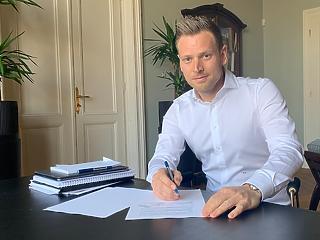 Tiborcz István 2021-et is új céggel indította - Prémium lakásokban utazik