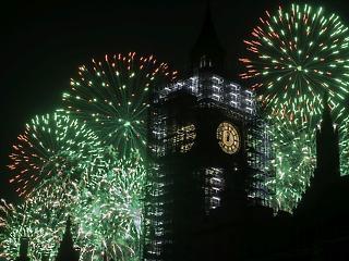 Őrületes bulik és furcsa hagyományok - hogy köszöntötte a világ 2018-at?