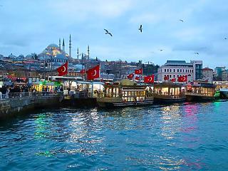 Megint mélyrepülésben a török líra, fordult a forint is
