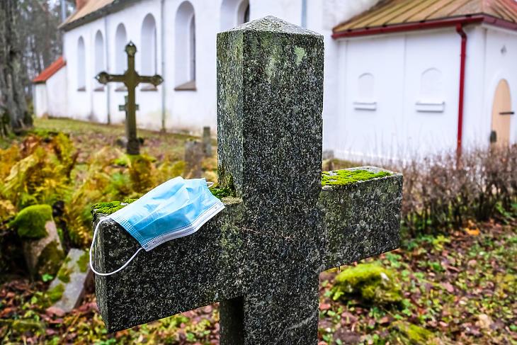 A temetőkben folyik a 'nagyüzem'. Fotó: Depositphotos