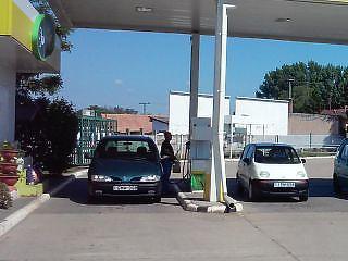 A Mol kénytelen lesz olcsóbban adni az üzemanyagot az új benzinkútján