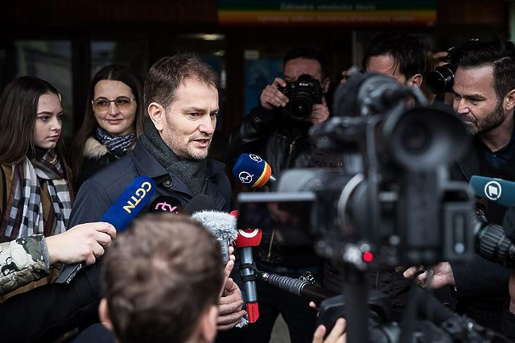 A jobboldali ellenzék legyőzte Fico-t a szlovákiai választáson