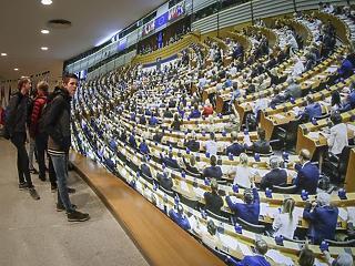 EP-választás: bukhatnak a nagy pártok, szárnyalhatnak a nacionalisták és a zöldek