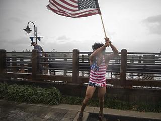 Amerika ma megkapja, amit megérdemel? Lecsapott a romboló Florence-hurrikán