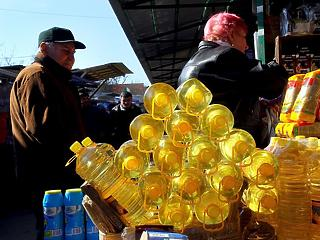 A vártnál magasabb lett az infláció, gyorsul az élelmiszerek drágulása is