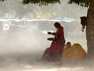 1,3 milliárd ember számára jön kijárási tilalom Indiában