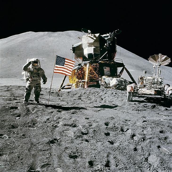 Beizzítják az űrversenyt – ezen dollárcsilliárdok múlnak