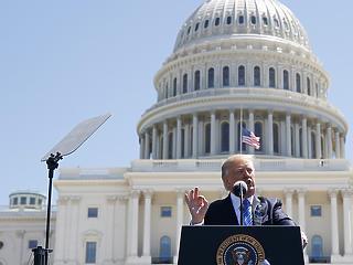 Trump meggondolta magát, mégsem állnak a kormányintézmények