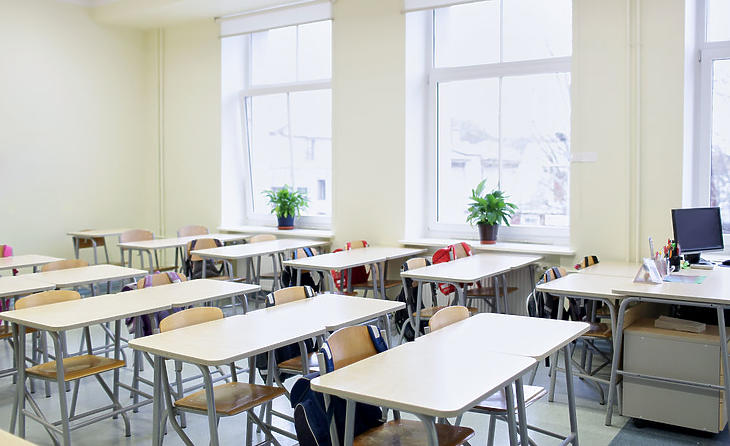 Kinyissanak vagy ne az iskolák? – A hét videója