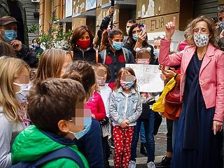 Új tanulmányok: felesleges bezárni az iskolákat a Covid miatt