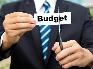 A Bizottság aggódik a francia és az olasz költségvetés miatt