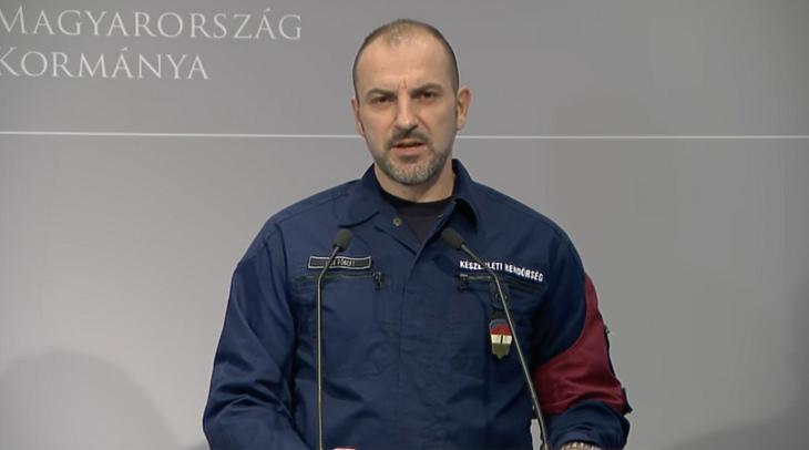 Kiss Róbert rendőr alezredes: több üzletet is be kellett zárni. Fotó: koronavirus.gov.hu