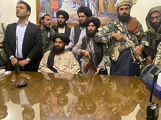 Általános amnesztiát hirdettek a tálibok minden állami tisztviselőnek Afganisztánban