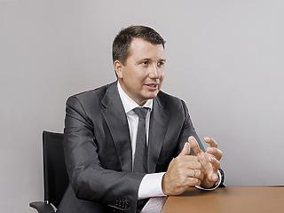 Barna Zsolt a megabankhoz szerződött