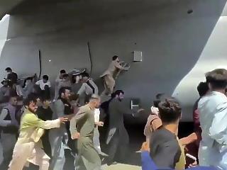 Nagyon rövid időn belül nagyon súlyos terrortámadás jön a kabuli reptéren a brit kormány szerint