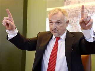 Csányi-Garancsi-Hernádi: közösen döntöttek 500 millió forint sorsáról