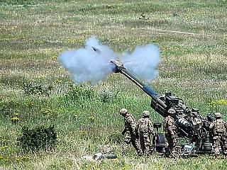 A nap képe: mit keresett ennyi amerikai katona a Bakonyban?