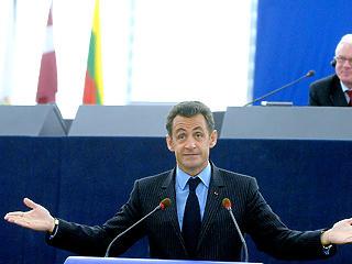Szorul a hurok Sarkozy körül: külföldi pénz juttatta hatalomra?