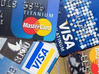 Megszerették a magyarok a hitelkártyát – mikor és mire költenek?