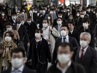 Újabb négy prefektúrában rendelt el rendkívüli állapotot a japán kormány a járvány miatt