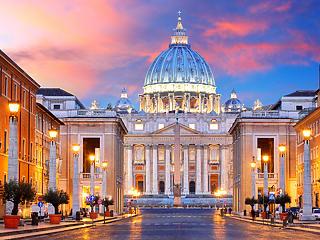 Pénzmosás a Vatikánban: egy érsek is a vádlottak között