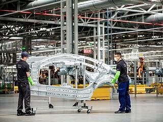Újraindították a kecskeméti Mercedes-gyárat