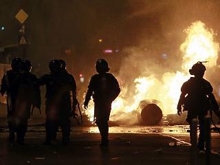 Felbérelt focihuligánok törtek-zúztak? Valami bűzlik Bukarestben