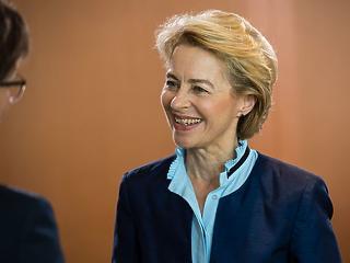 Junckernél jobb elnök lesz Ursula von der Leyen