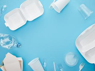 Műanyagok betiltása: megmagyarázták, miért vonta vissza a kormány a törvényjavaslatot