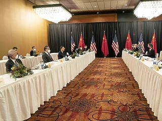 Keményen egymásnak feszült az USA és Kína Alaszkában