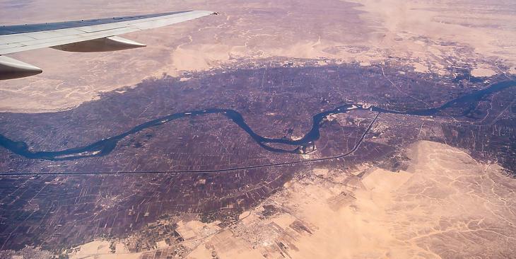 A Nílus völgye egy repülőgép ablakából. (Forrás: Depositphotos)