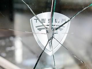 Óriási botrány robbant ki: visszafizettetik a támogatást az autósokkal
