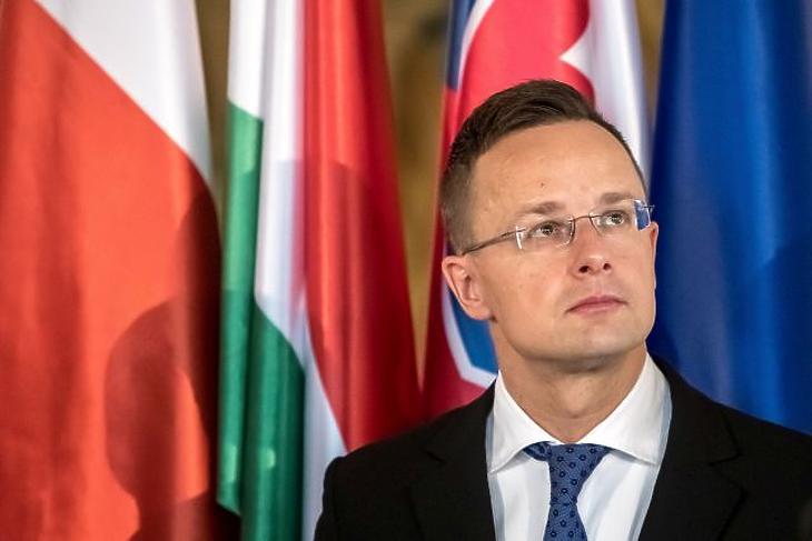 Kiosztotta az új uniós biztost Szijjártó Péter