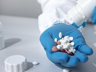 Ezer doboz favipiravir gyógyszert küldünk Romániának