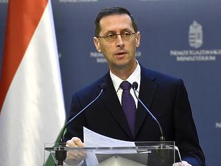 Varga: nem szabad vaskalaposan ragaszkodni a hiány három százalék alatt tartásához
