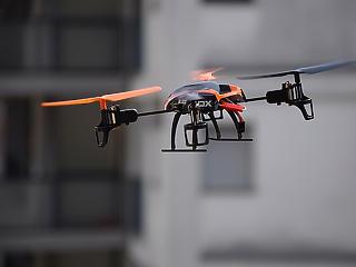 Életveszélyes hobbi – egyre több drón zavarja a repülőket