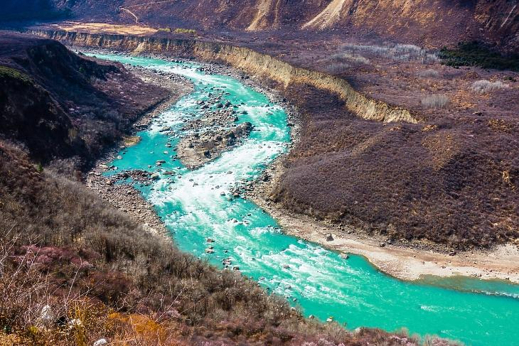 A Jarlung Cangpo folyó Tibetben - Kína ide építi a világ legnagyobb vízierőművét