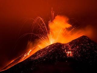 Természeti csapás miatt evakuálnak 1500 embert