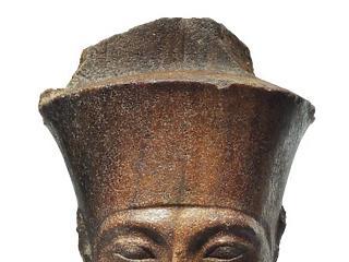 Kalapács alá került Tutankhamon mellszobra – Egyiptom tiltakozik