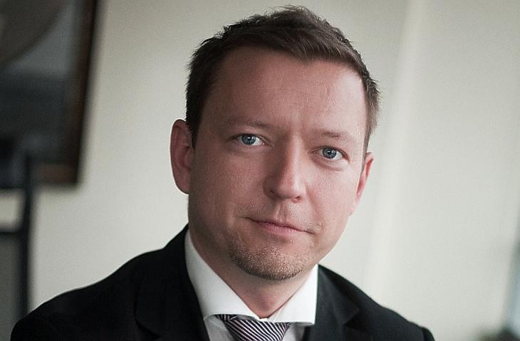 Varga Zalán, Erste Alapkezelő