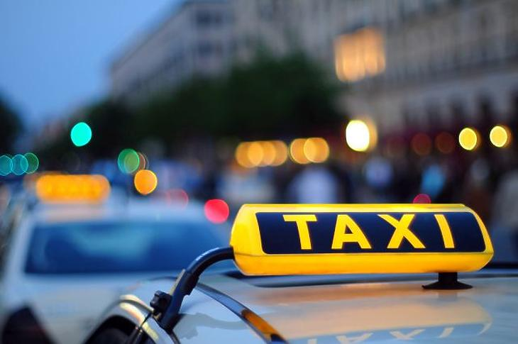 Tízből hét taxis jogsértően dolgozik Budapesten