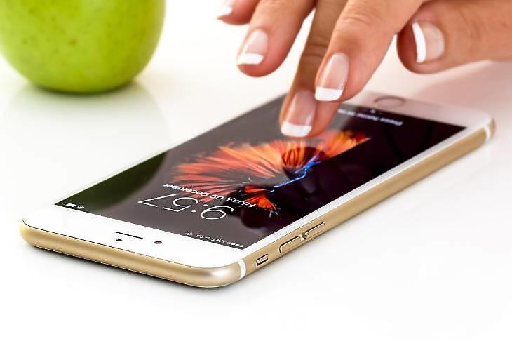 Apple okostelefon (Pixabay.com)