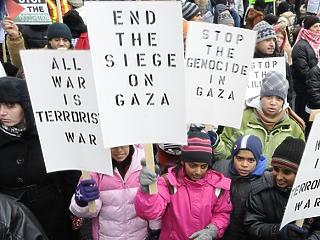 Mégsem sürgős megvédeni a palesztinokat?