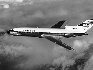 A Lufthansa és a Ryanair is visszavesz a járataiból a koronavírus miatt