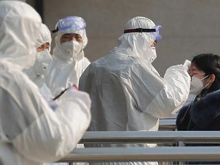 Megint nő a koronavírus-fertőzöttek napi száma Kínában