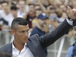 Tudod, hány ember borult ki C. Ronaldo fizetésén? Öt