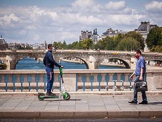 Totális maszkszigor jöhet Párizsban – baseball ütőkkel verték a maszkviselésre felszólító férfit